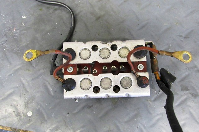 12 bmw 1977 r100rs replace engine electrical components  back of diode board showing ground wires