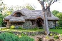 Hobbit House | My friend calls this the hobbit house, a ...