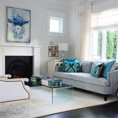 Sofa Cinza E Almofadas Coloridas Oak Queen Anne Table White Area Rug Dark Wood Floors | Design Tip For Those Of ...