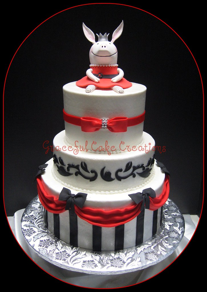 Olivia The Pig Birthday Cake Grace Tari Flickr