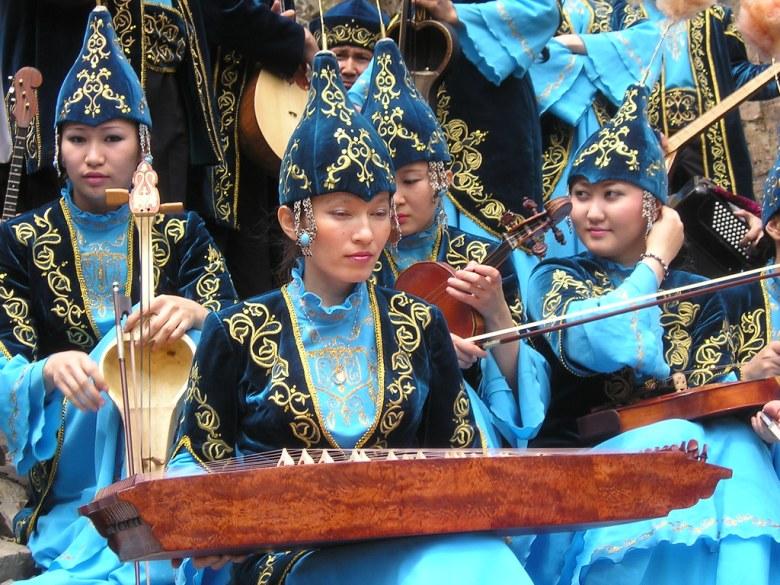 musicians with kazakh folk instruments   musicians in kazakh…   flickr