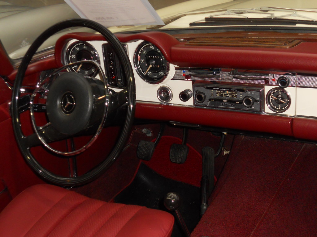 hight resolution of mercedes benz 280 sl pagoda w113 1971 by