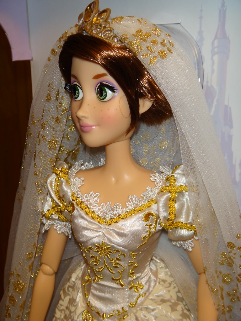 Limited Edition 17 Rapunzel Wedding Doll  Deboxing  In