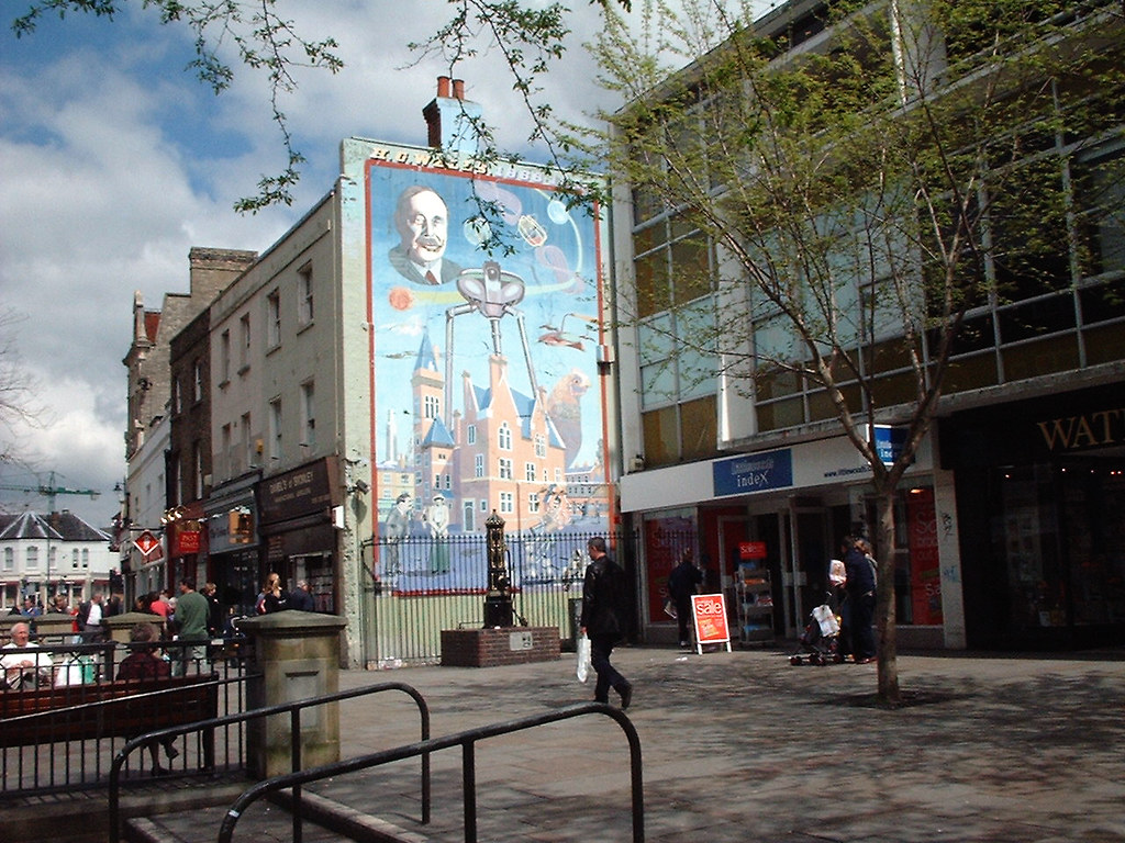 HG Wells Mural Bromley  The HG Wells mural in Market