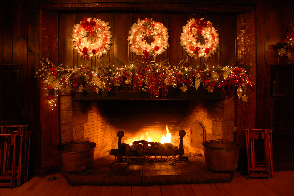 Free Animated Fireplace Wallpaper 2011 Holiday Fireplace Rock Lodge Starved Rock State