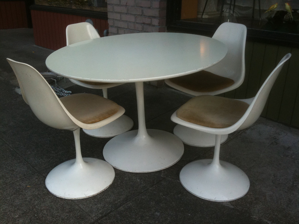 Tulip Table And Chairs 1960 39s Burke Tulip Table And Chairs Table 42 Inches