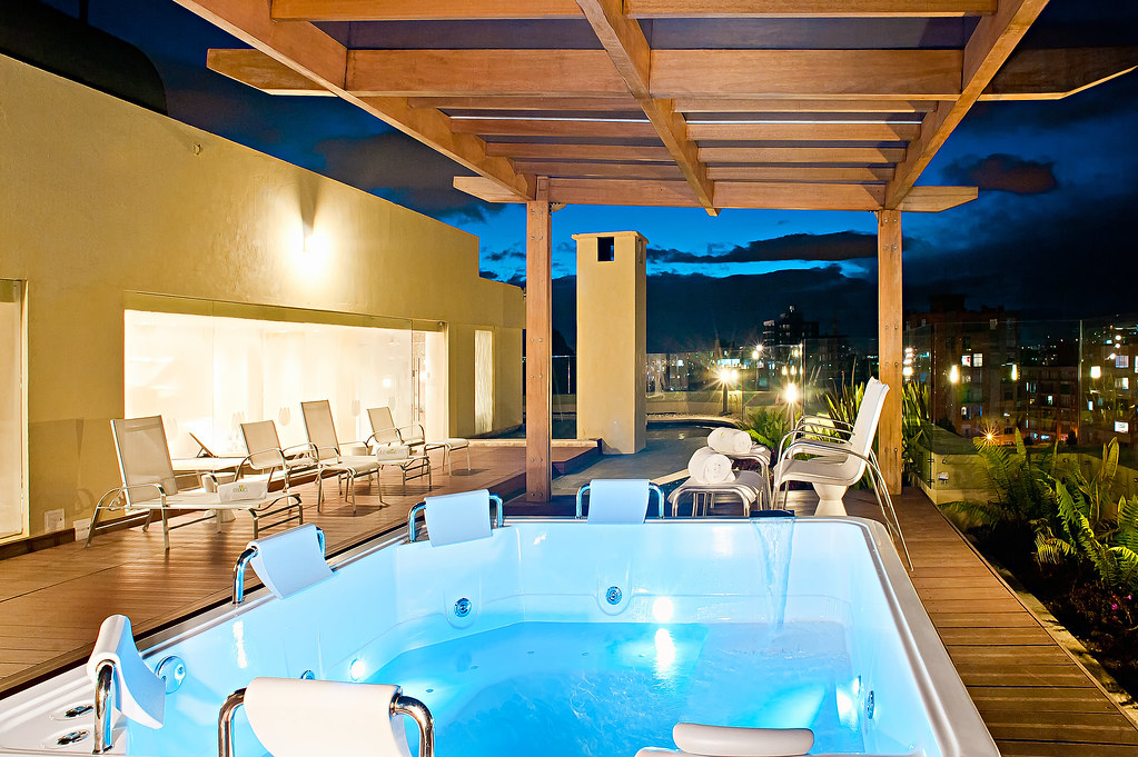 Jacuzzi in Elixia Spa  Hotel Casa Dann Carlton Bogota C
