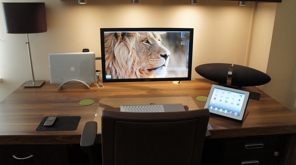 Apple Setup August 2011