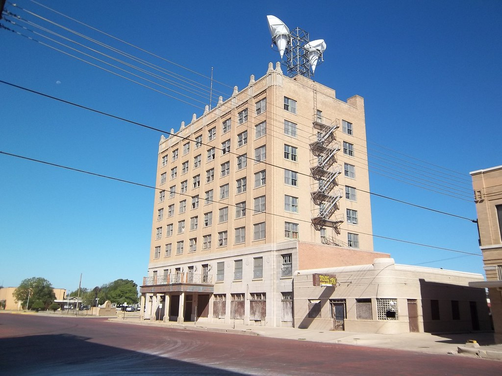 Early Hilton Hotel 1 Plainview Texas  I couldnt find