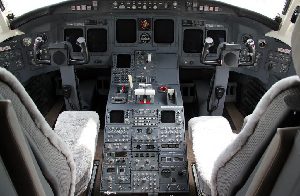 NBAA 2011  Bombardier CRJ700 Cockpit  Henderson Executi