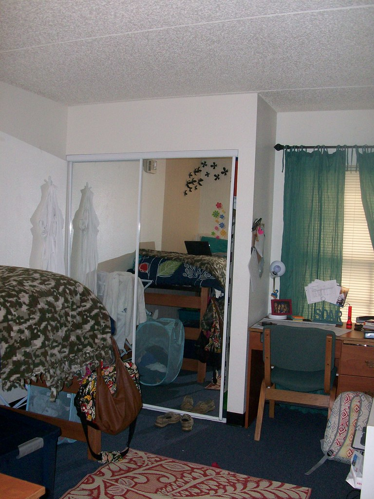 North Lake Village Room  Residents in 4 bedroom NLV