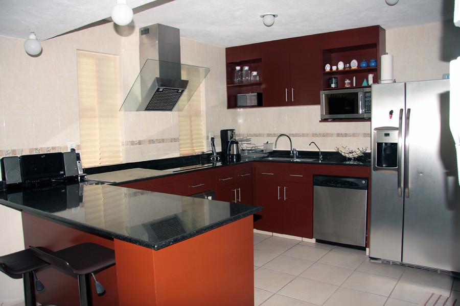 Cocina en caoba con cubierta de granito negro  Mi casa en Cuernavaca  Flickr