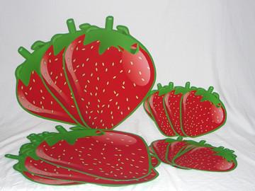 24inchand12strawberryshortcakestrawberriespartydec