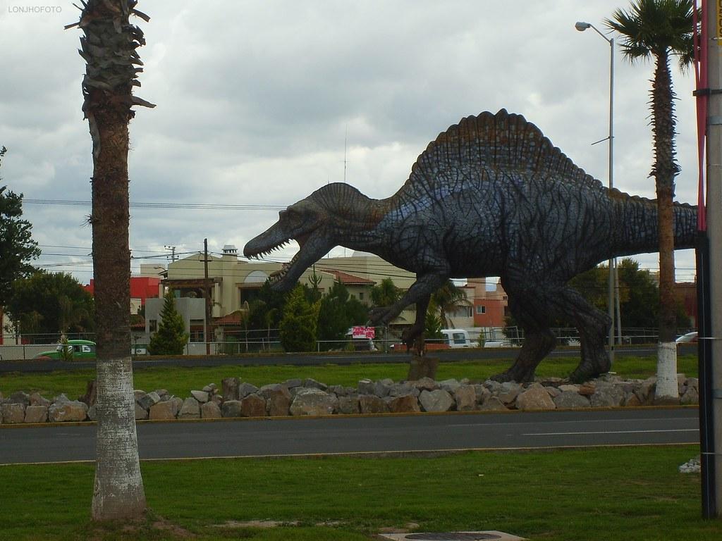 Espinosaurio  Dinoparque del Museo El Rehilete en Pachuca