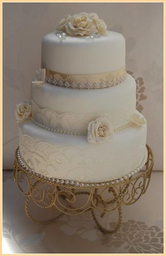 WHITE AND CHAMPAGNE VINTAGE WEDDING CAKE LACE DIAMANTE TRI