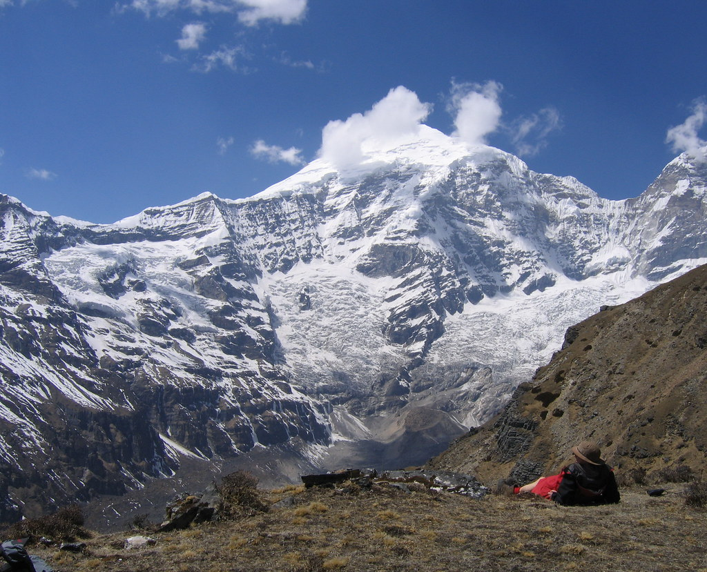 Đến Bhutan thám hiểm thì nên làm gì? Tất nhiên là phải leo núi rồi!