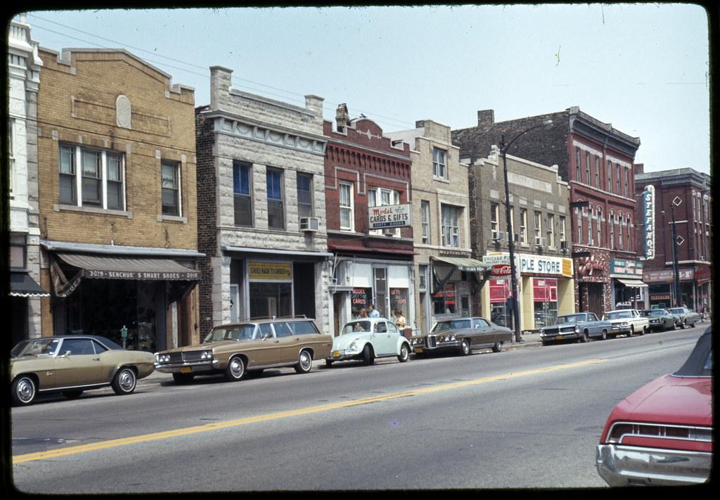 West Chicago Avenue businesses near Damen Avenue