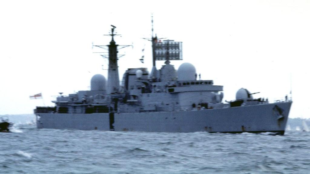 HMS Glasgow returns from the Falklands War  Flickr