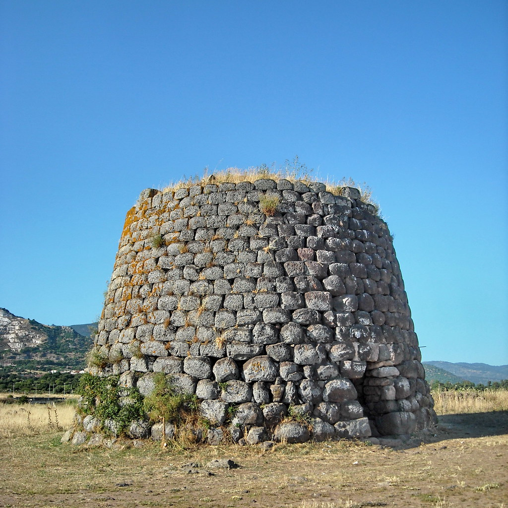 Nuraghe Santa Sarbana  Larea archeologica che comprende