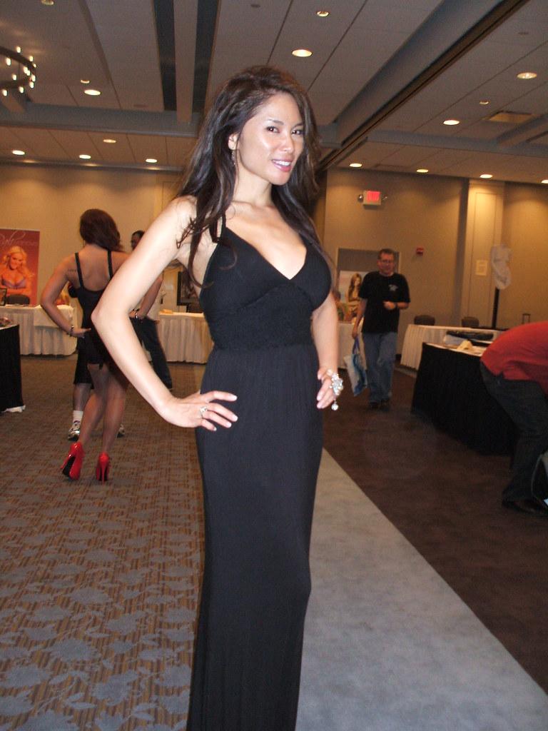 Josie Lee 4  Josie Lee at GlamourCon 51 in Chicago