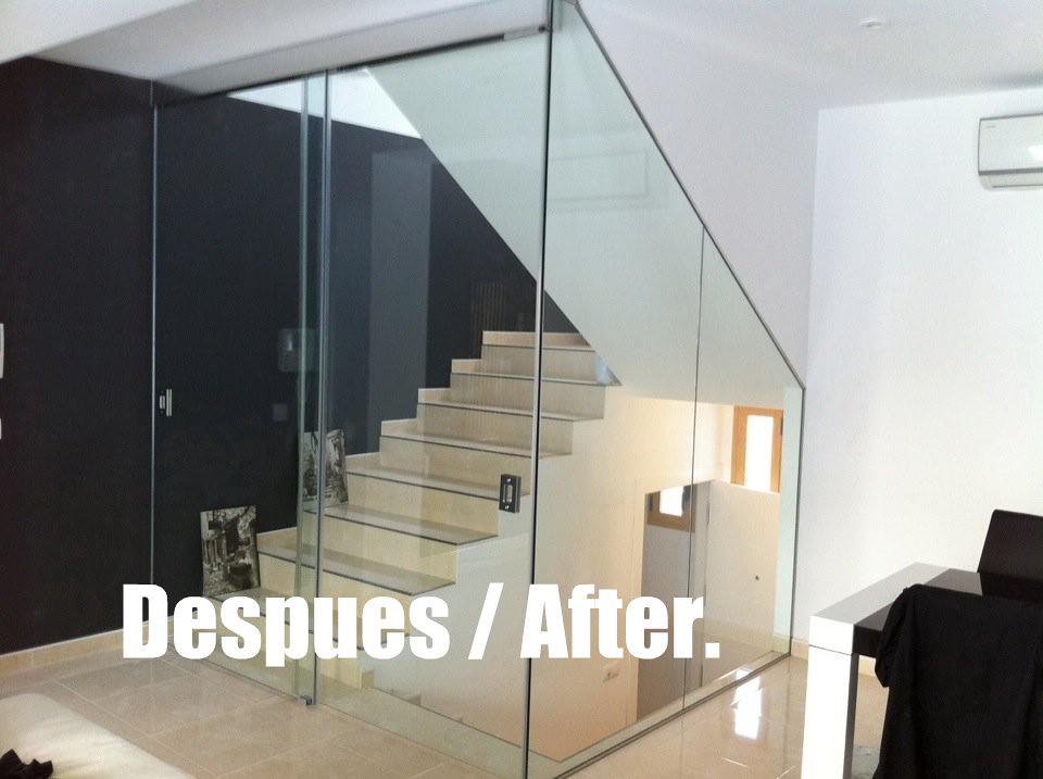 Cerramiento con puertas correderas de cristal