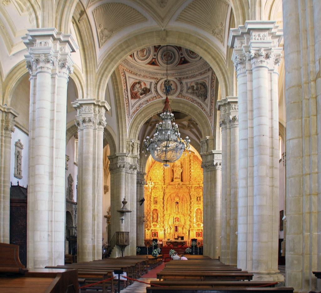Interior De La Catedral De Baeza Miguel Puerta Flickr