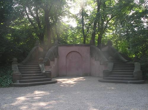 um 1890 Berlin 2-läufige Treppe auf Eiskeller Villa Siemen