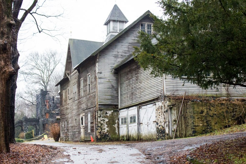 rocky-hill-castle-chadds-ford-fire-damage-barn