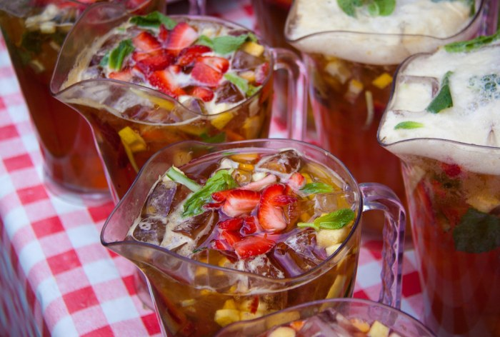 Summer Cocktails Around the World - Pimm's and Lemonade