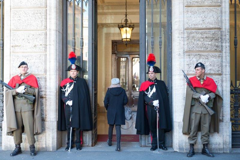 various military Italian senate guards