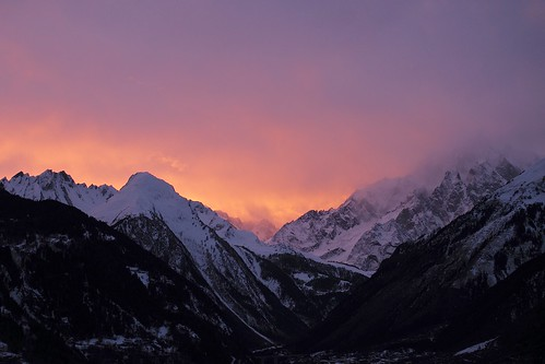 Hd Snowy Mountain Wallpaper Mont Blanc Skyfire Sunset On A Cloudy Evening At Mont