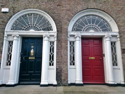 Dublín y sus puertas de colores georgianas. Historia, leyendas, arquitectura y localización.