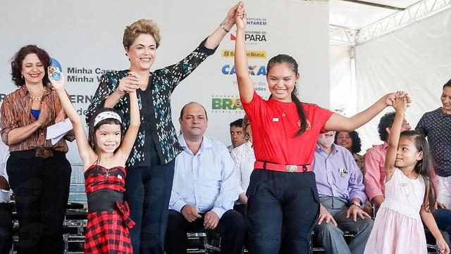 TSE não tem elementos para tornar a ex-presidente Dilma Rousseff inelegível, Dilma em Santarém