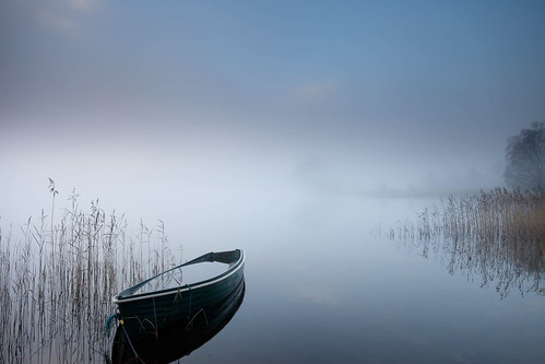 Girl With Camera Hd Wallpaper A Blue Canvas On A Misty Loch Peter Flickr