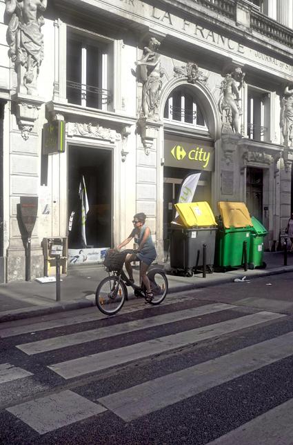 16g08 Rue Montmartre y largo paseo tarde veraniega_0053 variante Uti 425