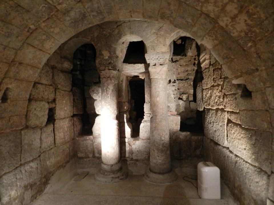 columnas visigodas Cripta de San Antolin Catedral San Antolín Palencia 04
