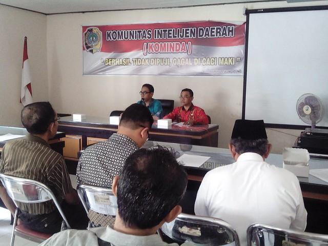 Suasana rakor dana bantuan politik bagi parpol di kantor Bakesbangpol Kab.Tulungagung(26/7)