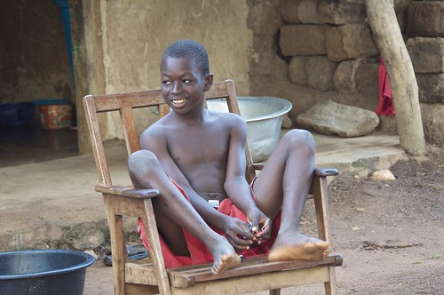 lazy boy chair Africa style  and a chair like this is a