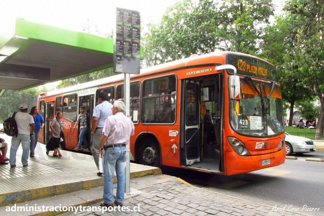 Transantiago 423   Express   Marcopolo Gran Viale - Volvo B7R LE / CJRH25