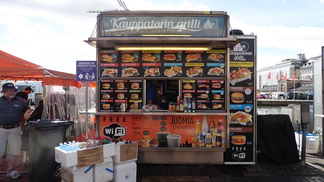 Dónde comer y gastronomía en Helsinki (Finlandia) - Comida rápida Kauppatorin Grilli.