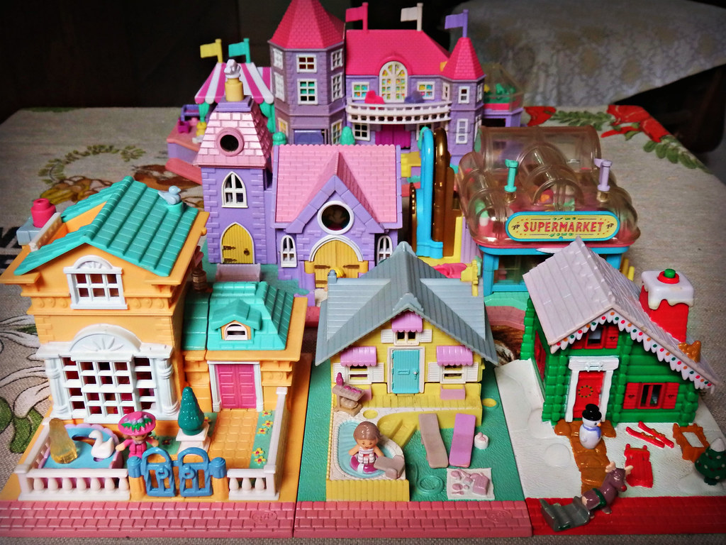 Polly Pocket houses  I dont have many of these housetype   Flickr