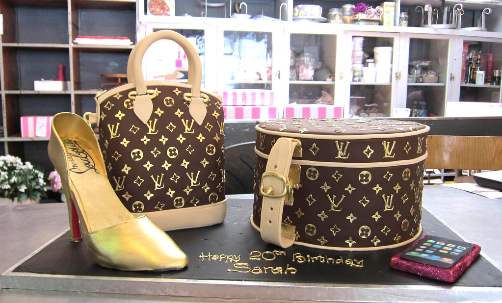 3D Louis Vuitton Hat Box  Handbag shaped cake covered in