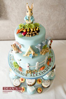 Little Cakes Peter Rabbit cake with matching cupcakes  Flickr
