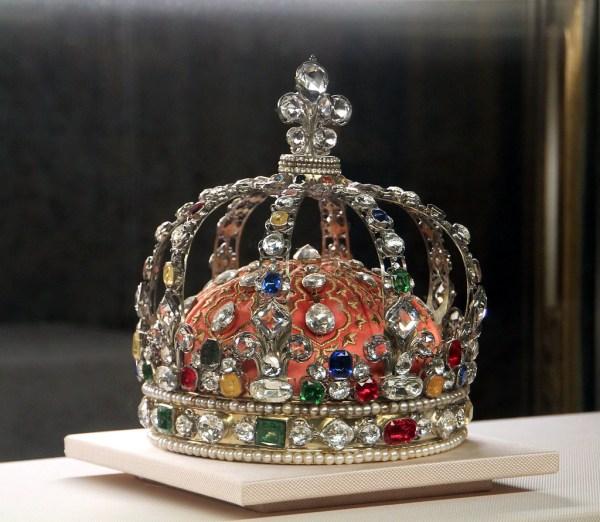 Louvre Crown Jewels Toni Kaarttinen