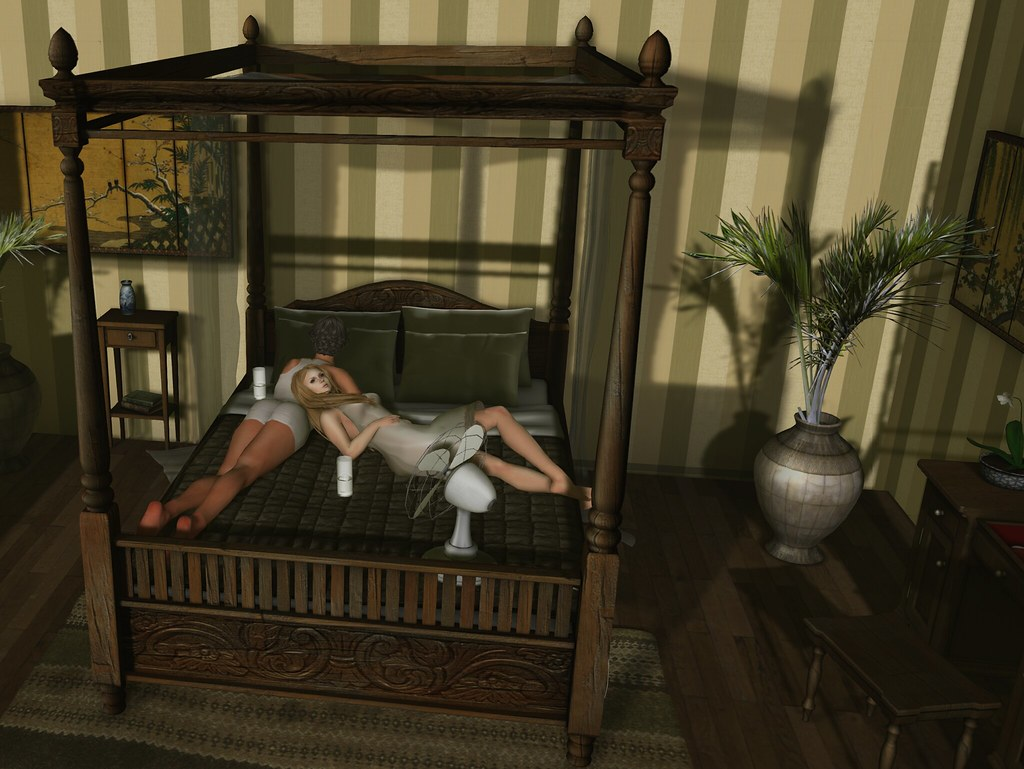 Dutchie teak colonial canopy bed hot  This romantic