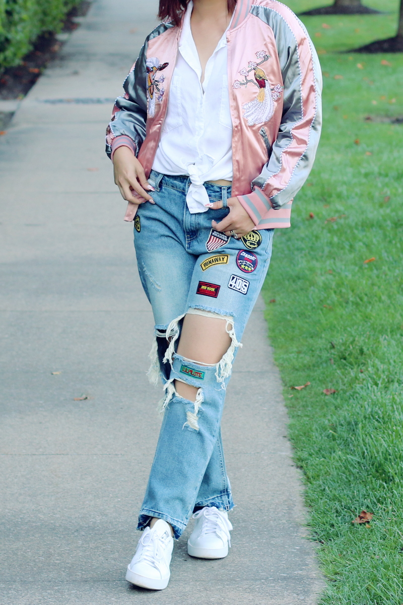 sammydress-embroidered-jacket-distressed-jeans-white-sneakers-6