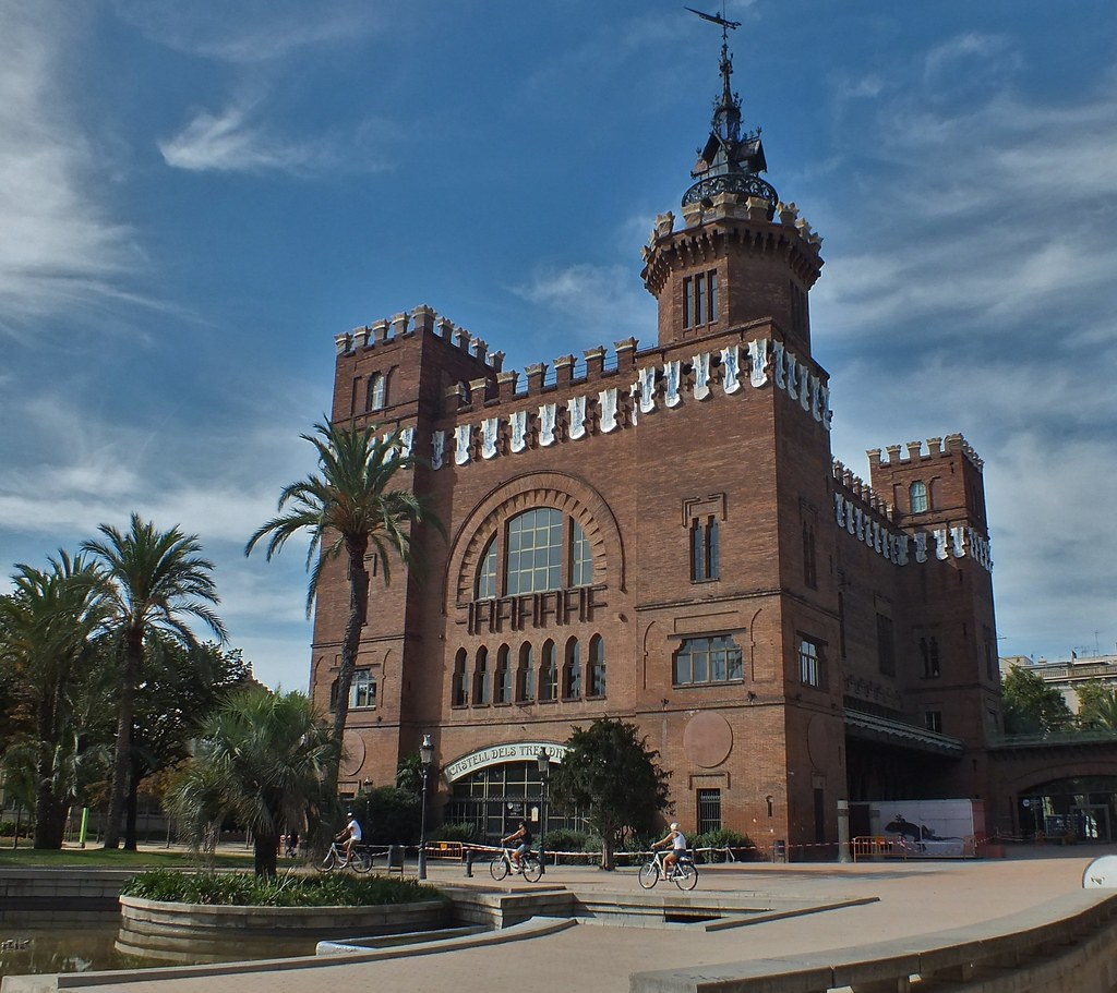 Castell dels Tres Dragons Barcelona  eswikipediaorg