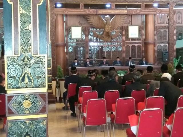 Suasana Rapat Paripurna Istimewa Terbuka DPRD Kab. Tulungagung(16/8)