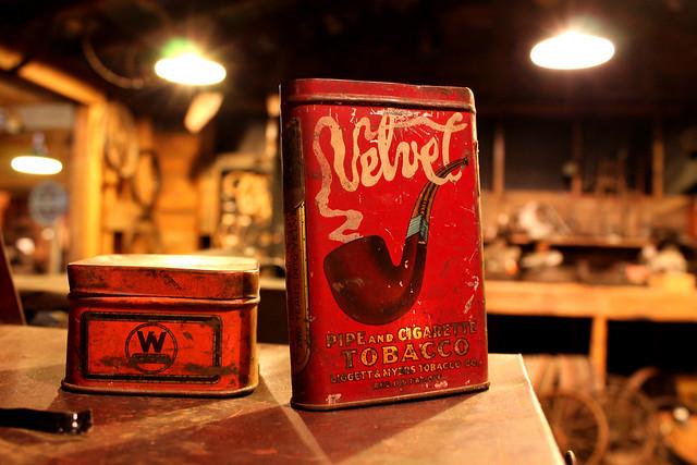 Velvet Pipe Tobacco Tin