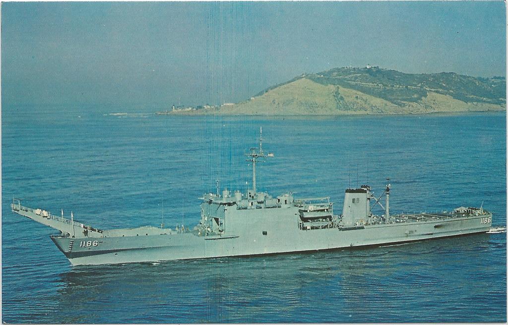 USS CAYUGA US NAVY LST 1186 Newportclass Amphibious Forc  Flickr